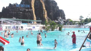 Bể bơi thiên đường bảo sơn